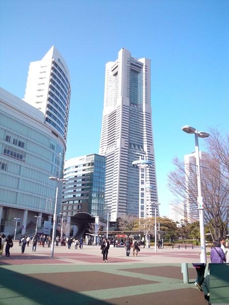 桜木町、ランドマークタワー。