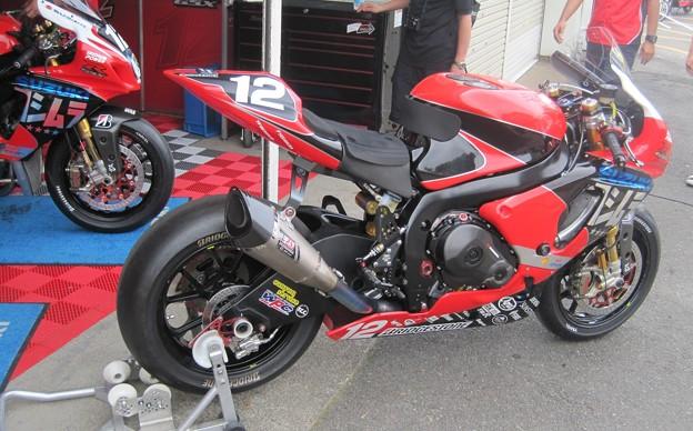 21 2013 12 津田 拓也 ヨシムラスズキレーシングチーム GSX_R1000 IMG_1999