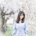 Photos: 枝垂桜のしたで