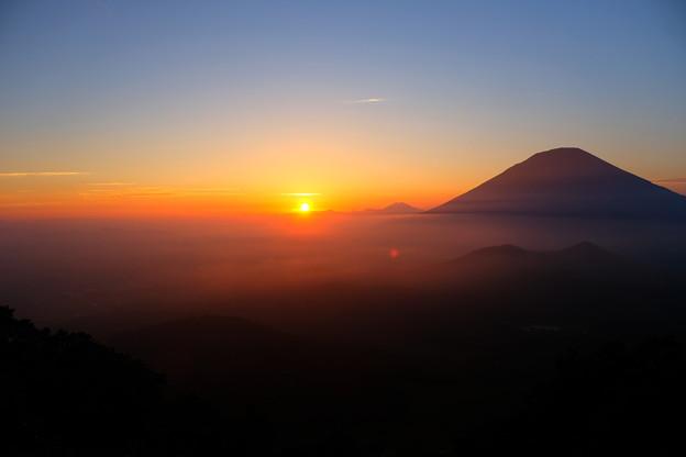 雲海に沈む夕日と羊蹄山 その4