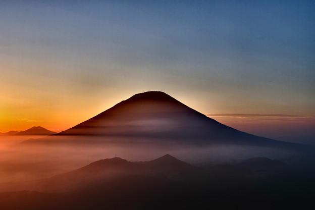 雲海に沈む夕日と羊蹄山 その1