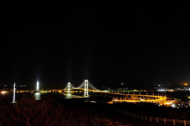 祝津展望台より夜の白鳥大橋を望む