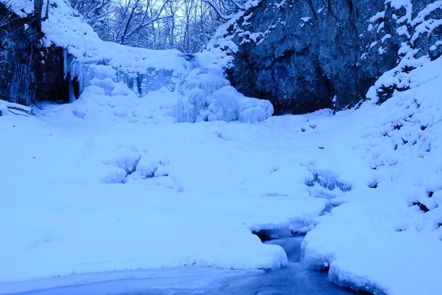凍り付く滝【平和の滝にて】その2