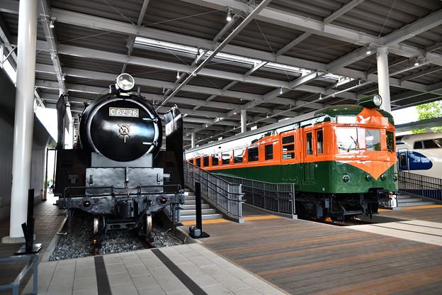 C62 26と80系湘南電車