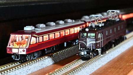 KATO サロンエクスプレス東京とEF58 61