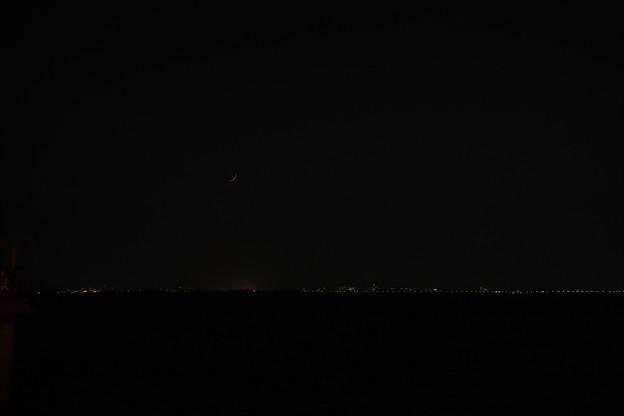 写真: 月が出ました(^^)