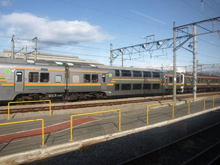 吾妻線の車窓(車庫)
