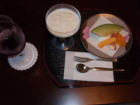錦水館のウェルカムデザート