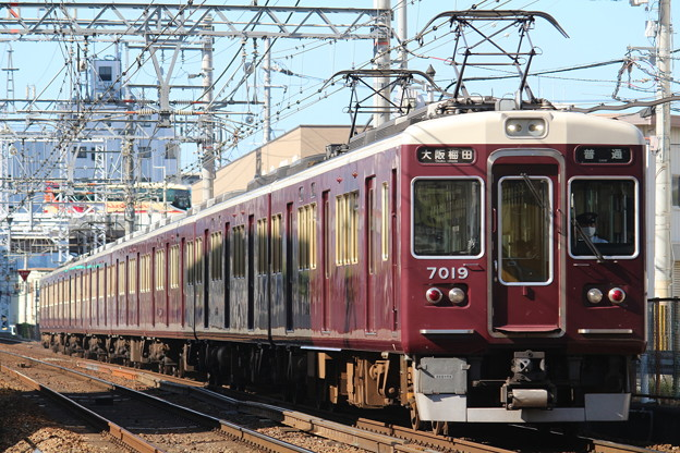 阪急7000系c#7019×8R