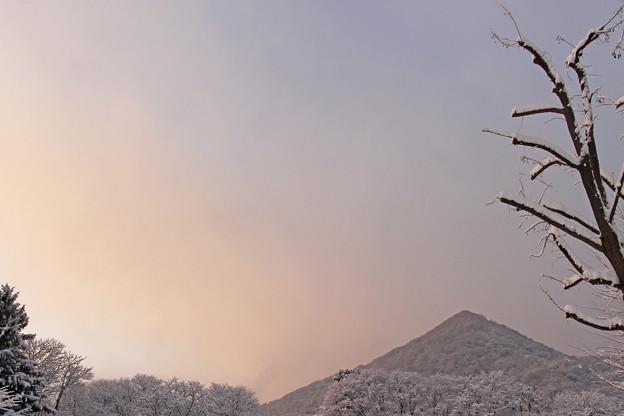 早朝の三角山IMG_5274b