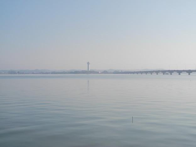 2018.03.04 きょうの風景・靄がかかった青空