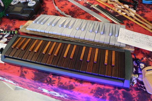 うるし塗り鍵盤ハーモニカ