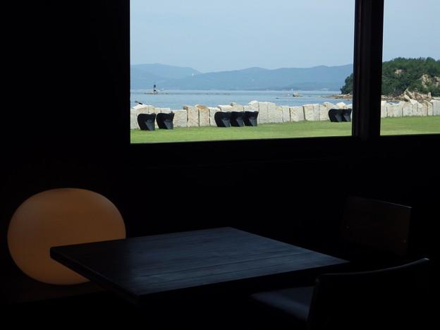 ARTなCaféの窓