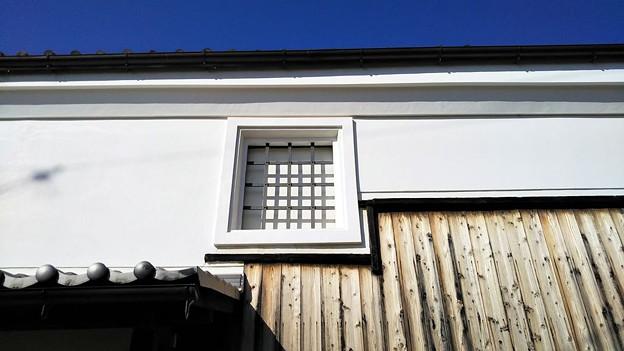 Photos: 漆喰と青空