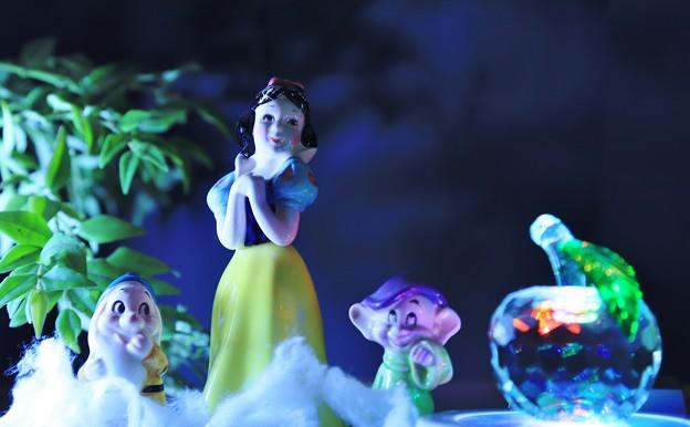 白雪姫と小人たちとリンゴ