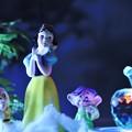 写真: 白雪姫と小人たちとリンゴ