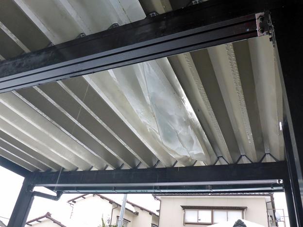 折板カーポート破損