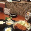 10_とんかつ定食¥930
