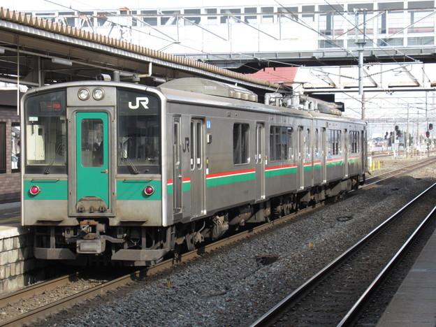 東北線701系1500番台 F2-517編成