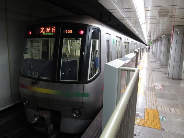 都営大江戸線12-000形 12-421F