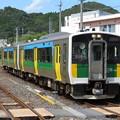 写真: 久留里線キハE130系100番台 キハE130-105+キハE130-103