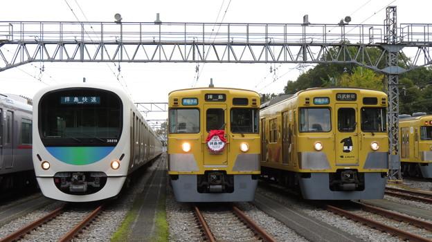 西武38118F・2403F・2007F 3並び/1