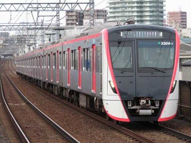 Photos: 都営浅草線5500形 5504F
