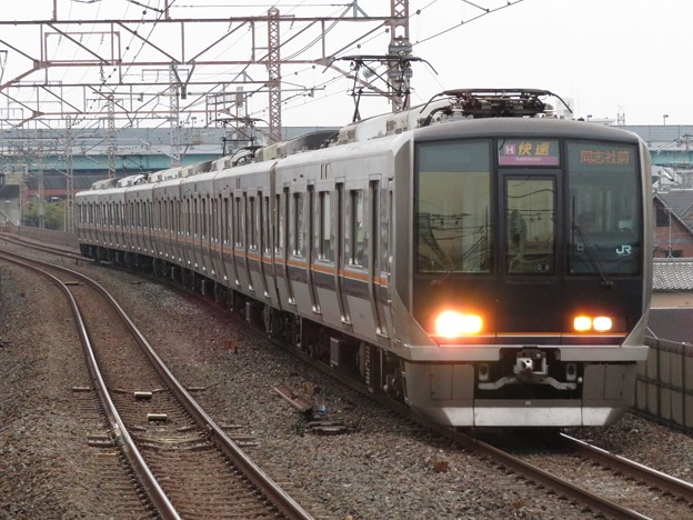 学研都市・東西線321系 D8編成