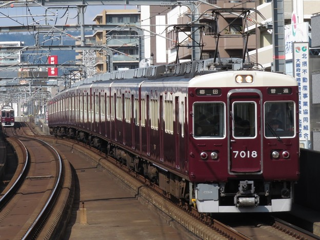 阪急宝塚線7000系 7018F