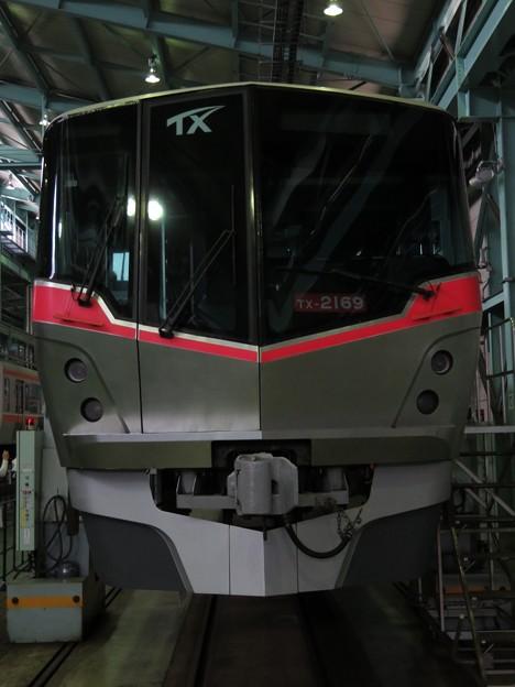 つくばエクスプレスTX-2000系 TX-2169
