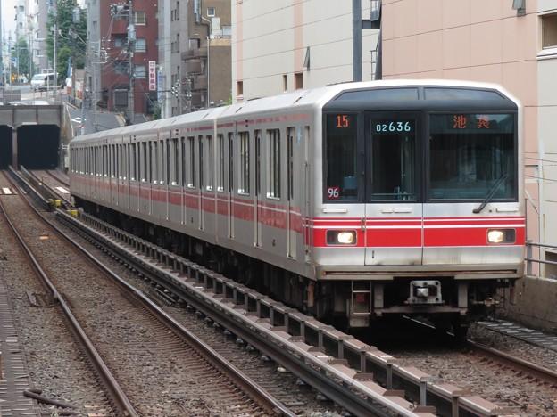 東京メトロ丸ノ内線02系 02-136F