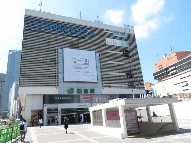 新宿駅 東口1
