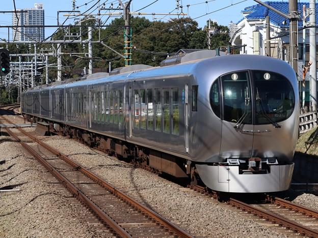 西武池袋線ラビュー001系 001-B1F