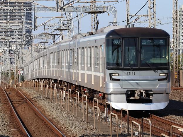 東京メトロ日比谷線13000系 13142F