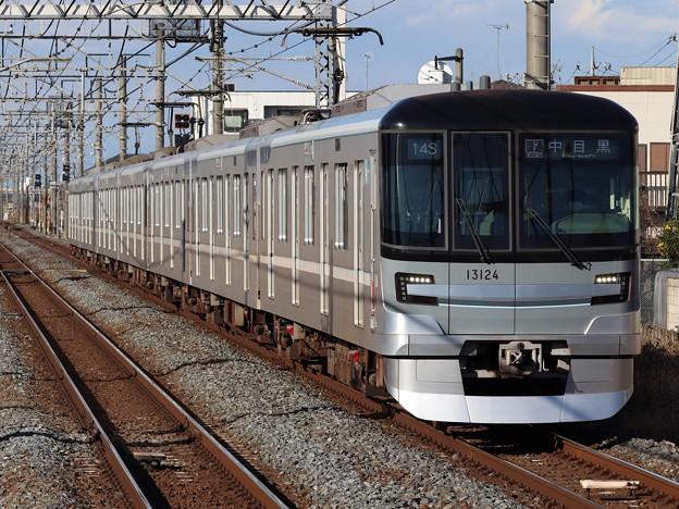 東京メトロ日比谷線13000系 13124F