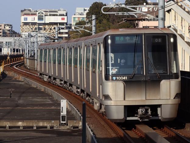 横浜市営グリーンライン10000形 10041F