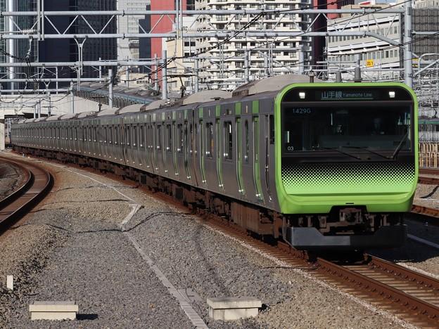 山手線E235系 トウ03編成