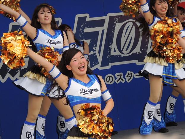 写真: 小木曽さん・宮川さん・井上さん。