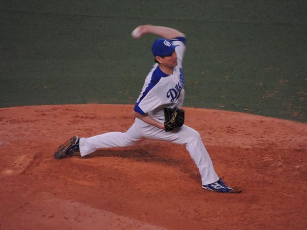 写真: 岩瀬仁紀投手。
