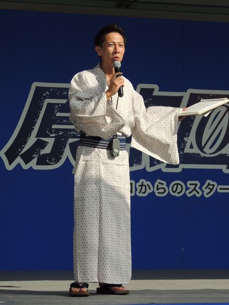 写真: 長谷川巧さん。
