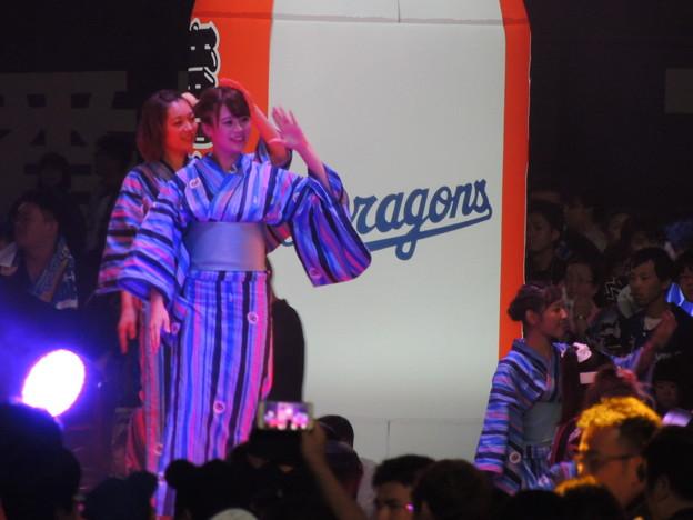 写真: 盆ダンス♪