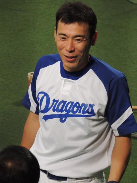 写真: 荒木雅博選手。