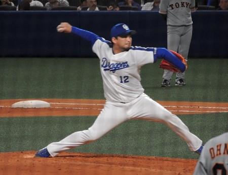 田島慎二投手。