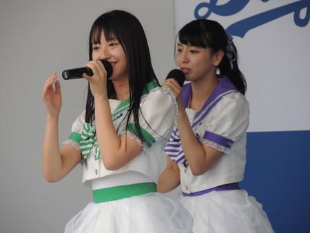 中島咲良さんと池永百合さん。