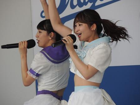 池永百合さんと沢井里奈さん。