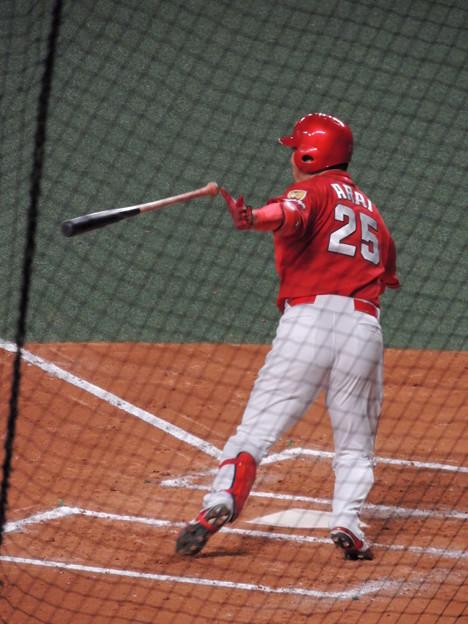 新井貴浩選手。