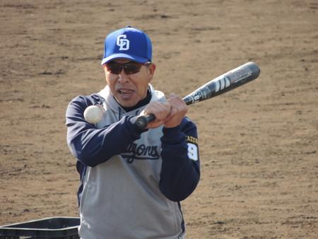 12/16(日) 四日市の霞ヶ浦第一野球場でドラゴンズ野球教室がありました(後編)。