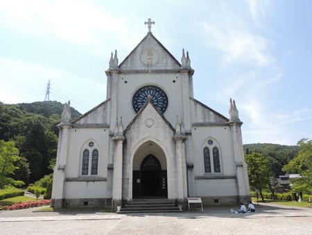 白亜の教会堂。