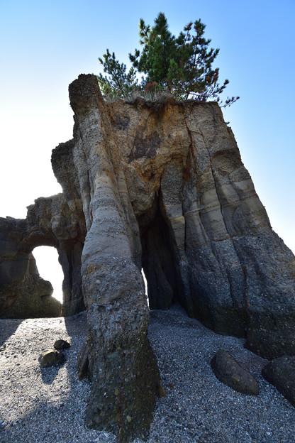 くぐり岩 2