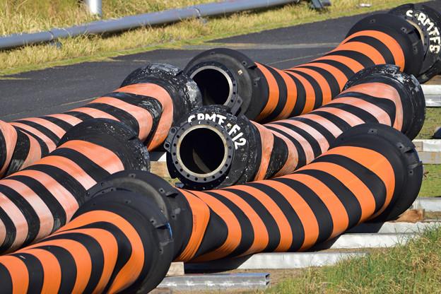 オレンジの管